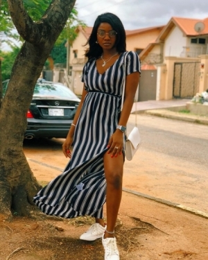 Fans Show Simi Love As She Flaunts Engagement Ring In New Photo
